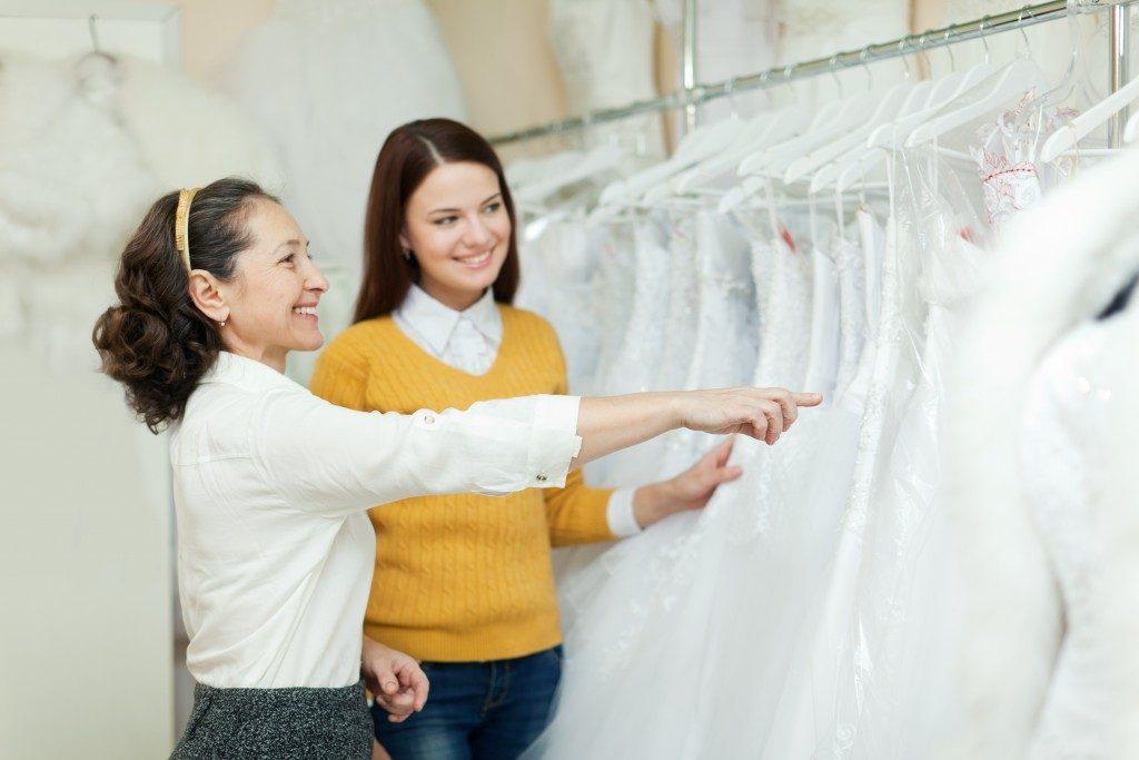 Wedding Planning, Choosing a Gown