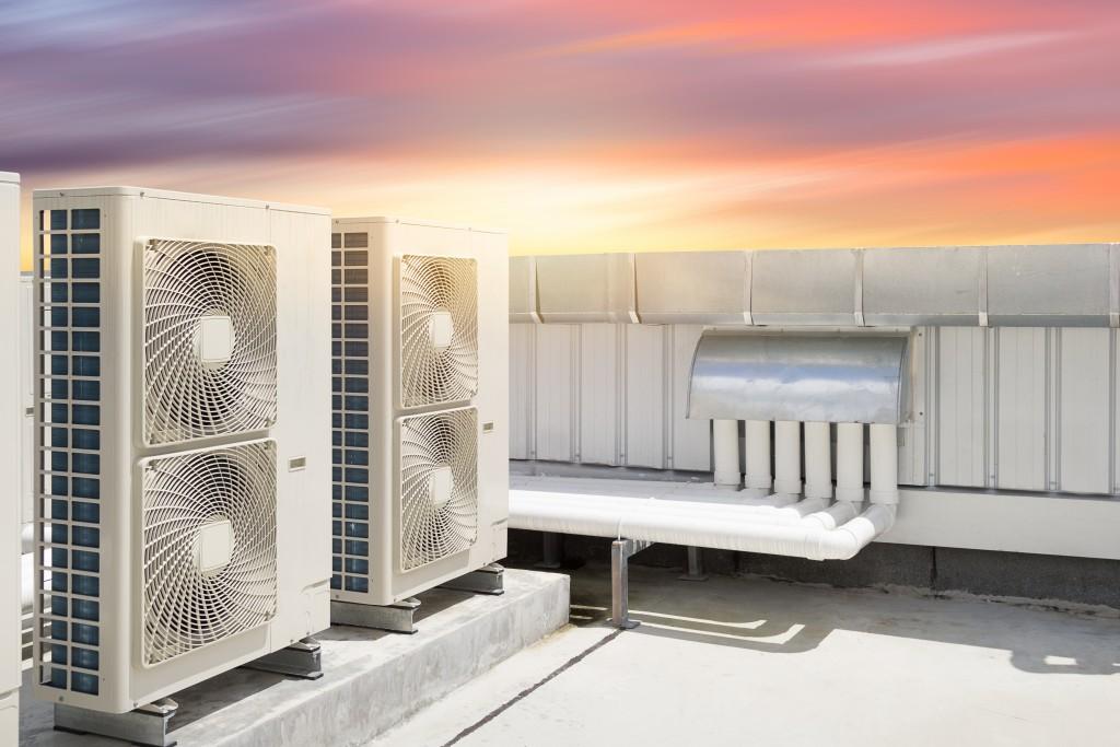 Air compressor machine part of air conditioner system