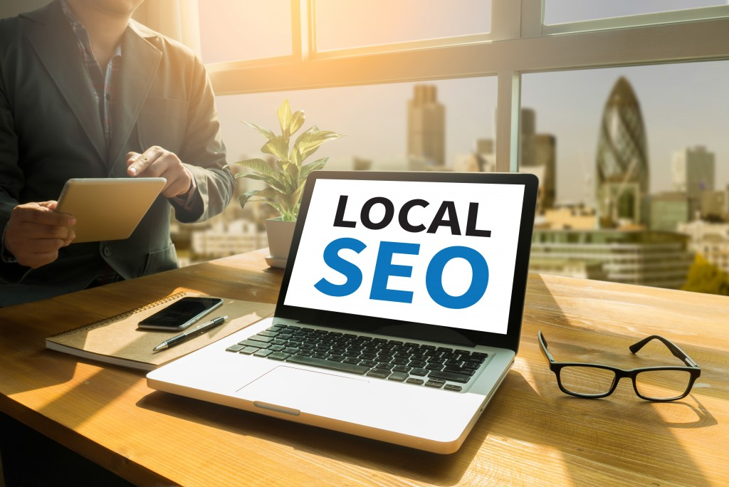 local seo on laptop concept
